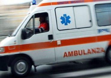 Catania, 13enne si lancia dal balcone di casa al quinto piano. Vani i soccorsi