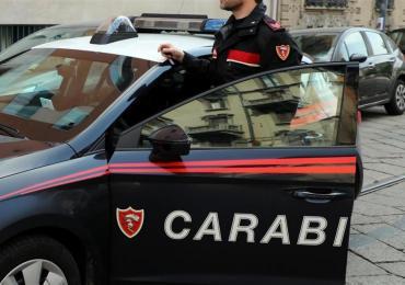 Catania: attacca il padre e la madre a colpi di coltello, arrestato 24enne