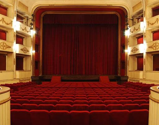 Coronavirus, teatri chiusi fino al 3 aprile. Sospese gli eventi e le manifestazioni culturali