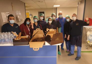 Caffè Epoca dona 200 torte alla Croce Rossa