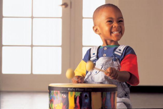Quarantena da coronavirus con...strumenti musicali fai da te per bambini