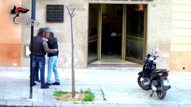 Mafia e droga: gli spacciatori al servizio dei boss. 15 arresti a Palermo