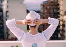 Turbante durante una classe di yoga? Ti spiego perché indossarlo
