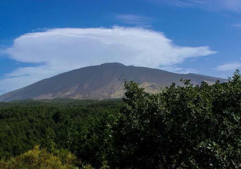 Escusionismo e religiosità nei boschi dell'Etna