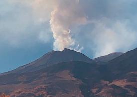 L'Etna ispira Giacomo Rizzo, lo scultore della natura