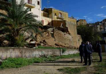 Caltagirone, smottamento in via Circonvallazione di ponente, 6 persone evacuate