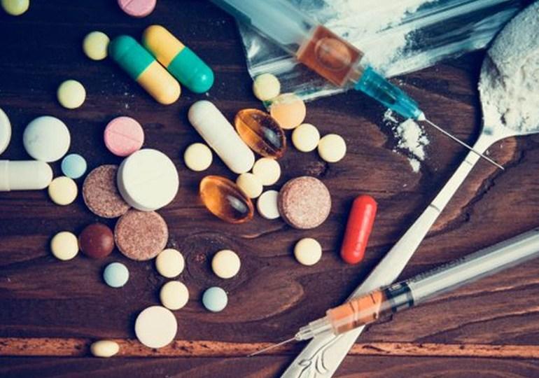 Droga: aumentano i ricoveri, i morti e l'indifferenza