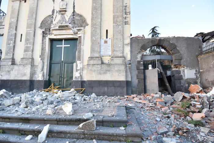 Figli di un terremoto minore. Depotenziati i diritti di persone e imprese danneggiate dal sisma etneo