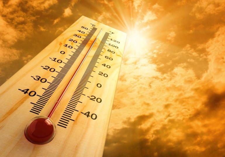 Caldo e incendi, in arrivo picchi di 44 gradi