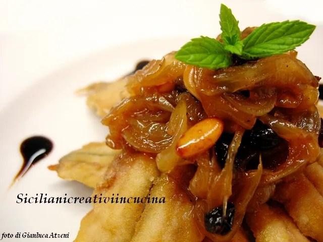 Boquerones fritos con cebolla agridulce