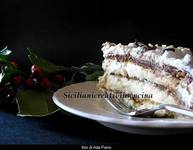 Tiramisu-Kuchen, Schichten von Sahne und Kaffee für eine Behandlung unvergleichbar