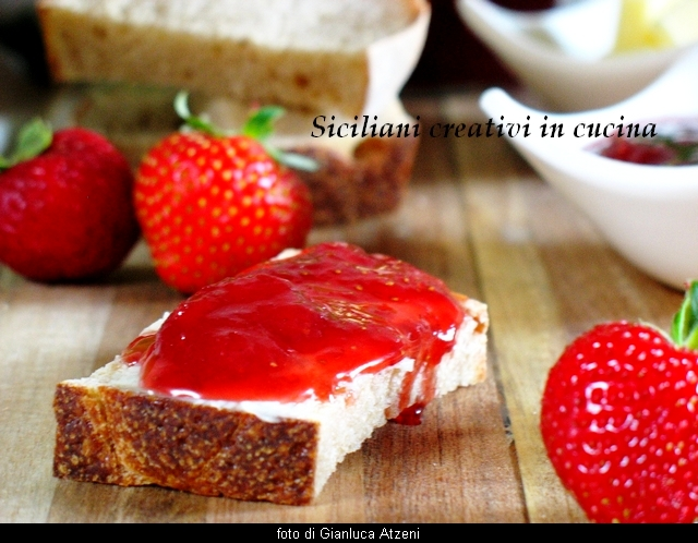Strawberry Jam and ginger: easy recipe and step by step the most beloved jam by Italian children.