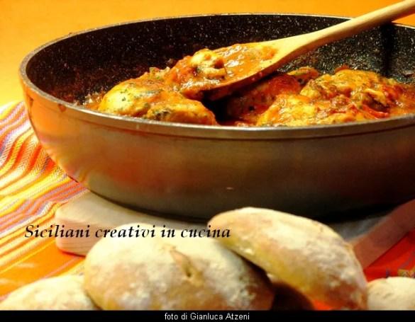Pollo all'arrabbiata: piccante e facilissimo da preparare.