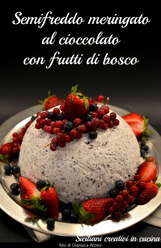 Parfait without cooking: Chocolate meringue with berries