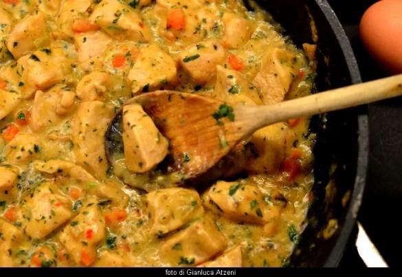 Petto di pollo in fricassea: un classico della cucina francese per una cena importante
