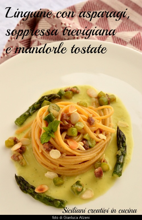 Easy and good pasta with asparagus, suppressed and toasted almonds