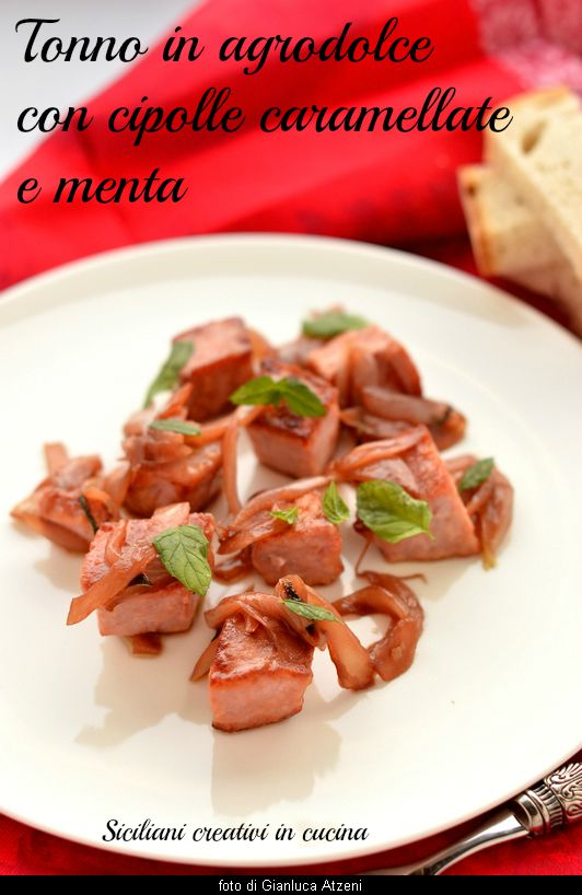 Tuna with pickled onions