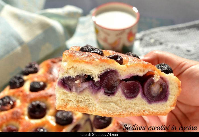 Focaccia sweet grapes