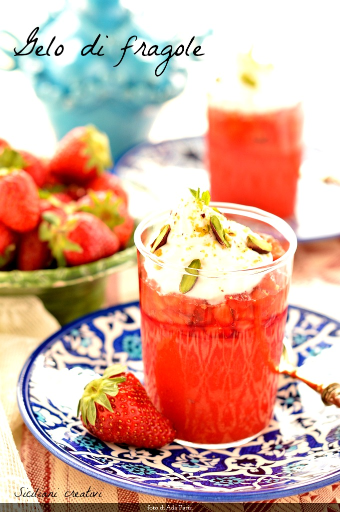 Frost strawberries and cream: Sicilian recipe easy