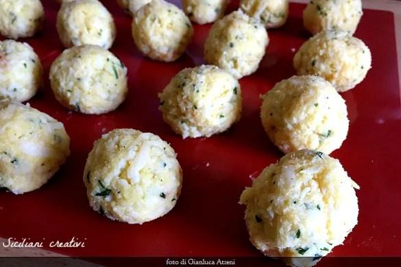 Pallotte cacio e uova,deliziosa ricetta abruzzese di riciclo