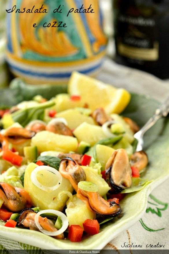 potato salad and mussels: light and easy recipe for a gourmet appetizer