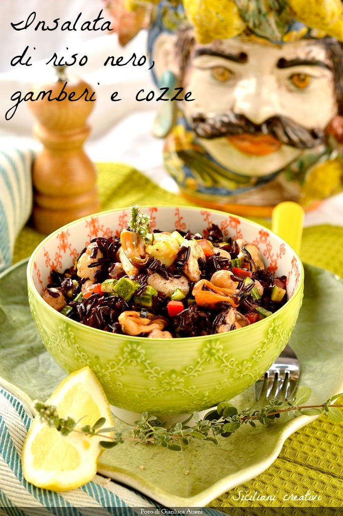 Black rice salad, mussels, chickpeas and prawns