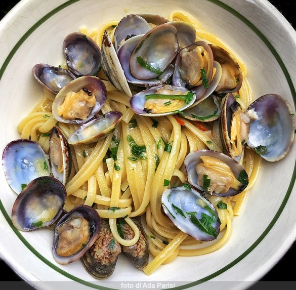 Pasta with clams, original recipe
