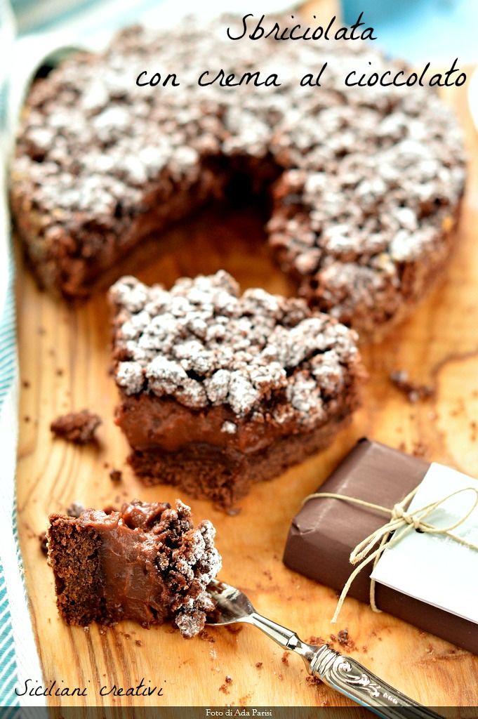 Crumbled chocolate cake: cremosissima and sinful. Recipe proof beginners