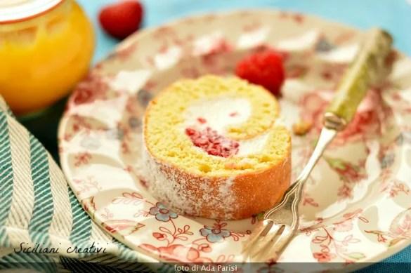 Rotolo con crema di mascarpone al limone e lamponi