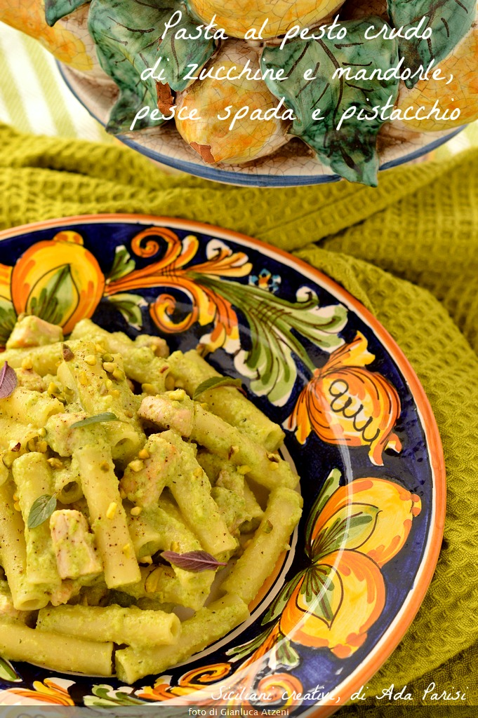 Pasta with pesto raw zucchini and almonds, with swordfish