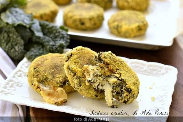 Crocchette di patate e cavolo nero, cotte in forno: leggere e deliziose