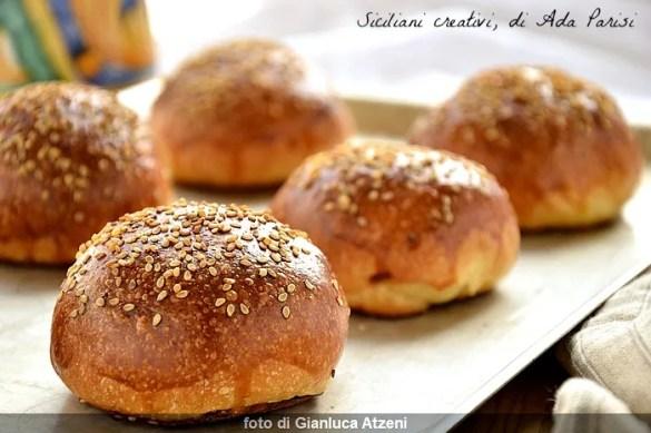 I panini di cena messinesi, profumati con i chiodi di garofano: ricetta originale