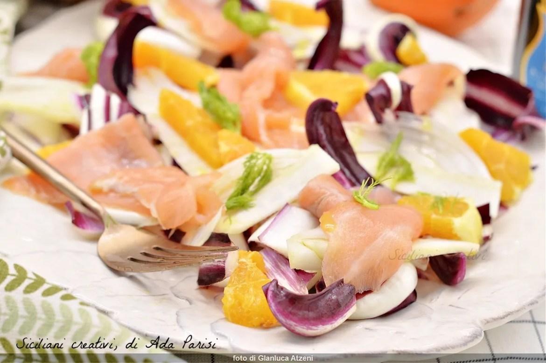 Salade de désintoxication au saumon, fenouil, oranges et radicchio