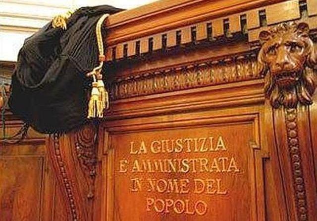 Falsa residenza per tessera ordine giornalisti: addetta stampa Policlinico Palermo patteggia 6 mesi