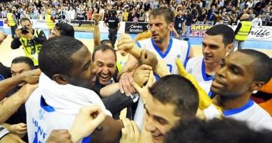Basket in Sicilia. L'Upea ora si diverte, demolita la Emporio Armani Milano