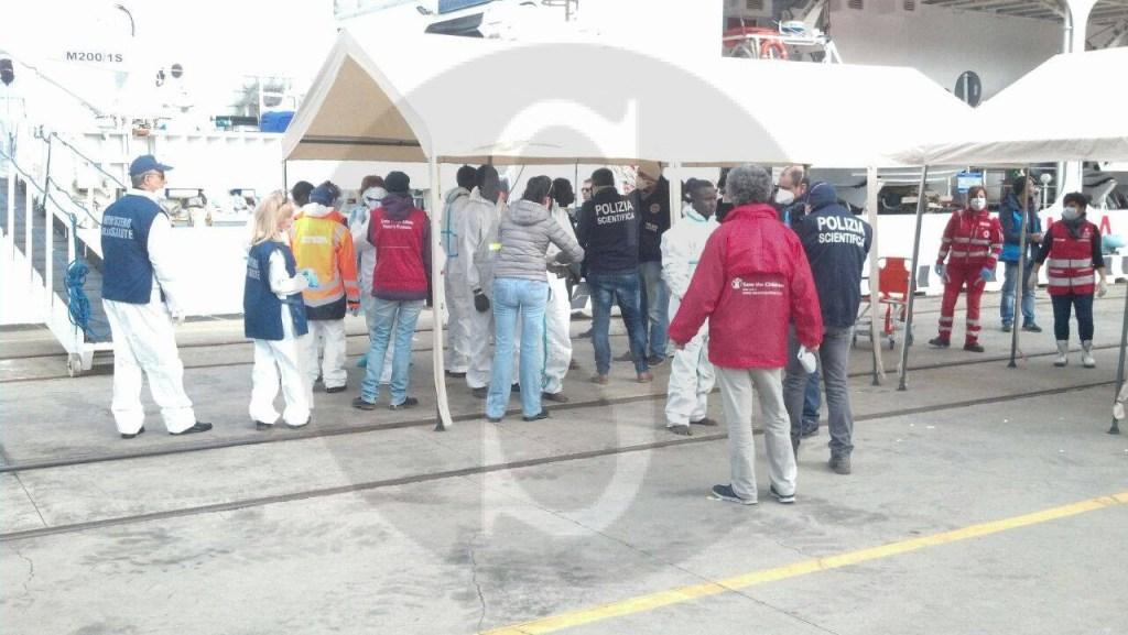 #Messina. Migranti, primo sbarco del 2016: arrivano in 384