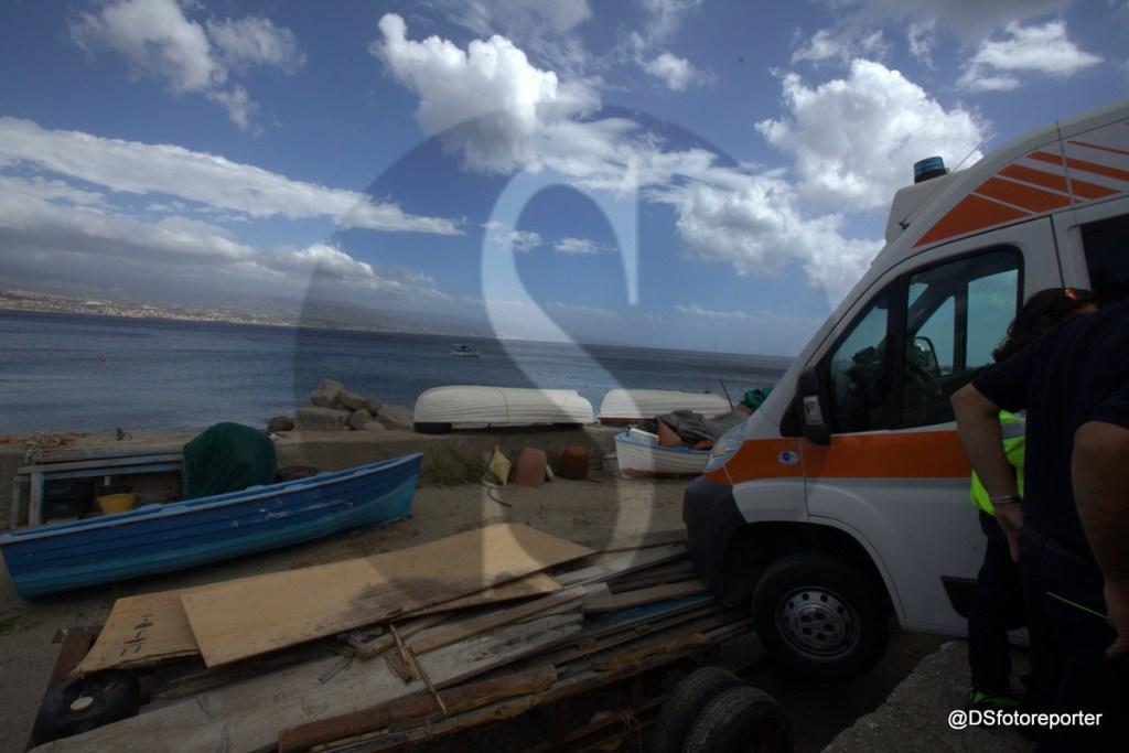 #Messina. Morte in spiaggia e l'ambulanza rischia incidente