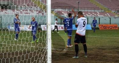 #LegaPro. Messina da mani nei capelli: il Melfi vince 3-0