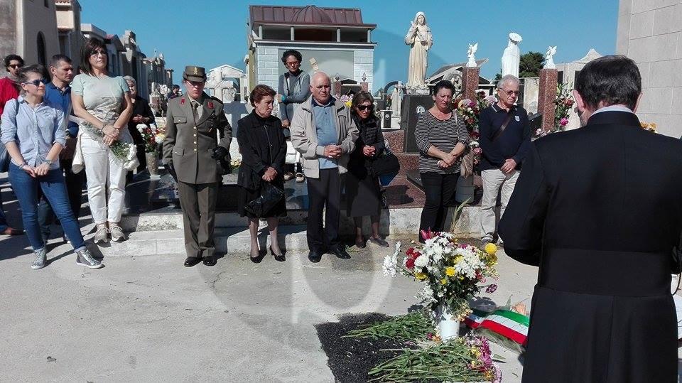 #Barcellona. Omaggio della Brigata Aosta al maggiore La Rosa