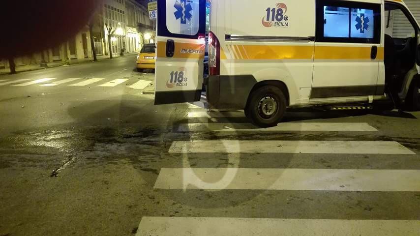 #Barcellona. Violento tamponamento tra due auto nella notte, un ferito