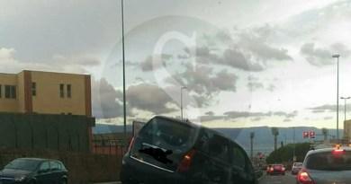Cronaca. Messina, incidente in viale Gazzi: auto sul guard rail e traffico in tilt