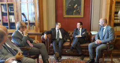 Politica. Il sindaco De Luca in visita al Tribunale di Messina