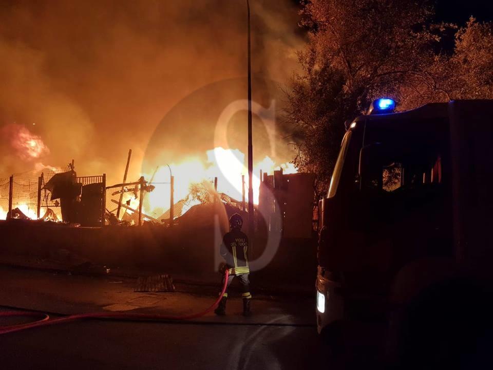 Cronaca. Messina, incendio devastante al villaggio CEP