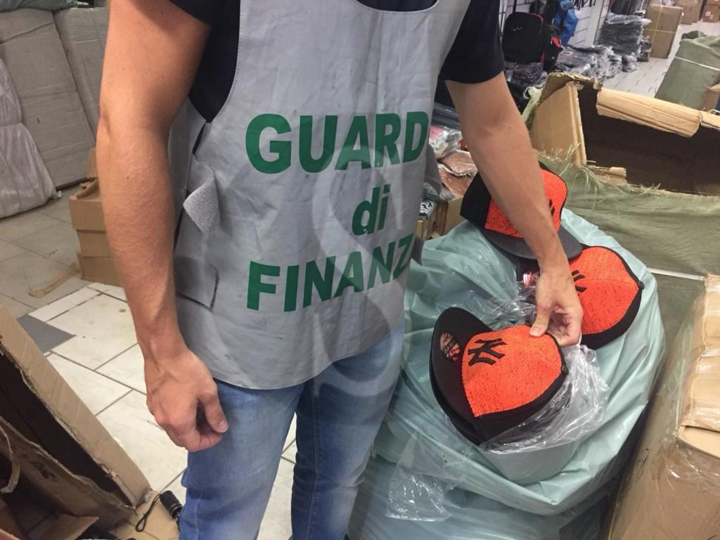 Cronaca. Lotta alla contraffazione, sequestrati oltre 4,6 milioni di articoli a Misterbianco
