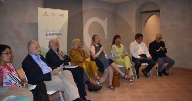 """Cultura. Presentazione del libro """"Dalla terra alla storia"""" di Paolo Matthiae al Parco Archeologico di Giardini Naxos"""