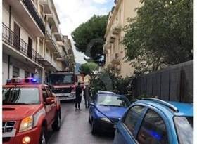 Cronaca. Barcellona PG, crollo di un albero secolare in via Alfieri