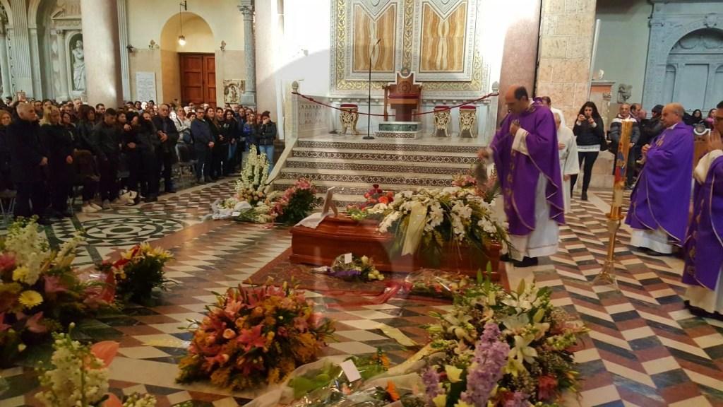 Cronaca. A Messina folla e commozione per i funerali di Alessandra Musarra