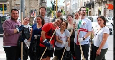 """Giornata dell'Europa, a Barcellona PG l'iniziativa """"La tua città è sporca"""""""