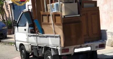 Messina, occupano abusivamente una casa e rubano i mobili: denunciati una donna e due uomini