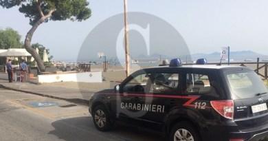 Patti – Beccato in casa dai carabinieri con piante di marijuana: 60enne denunciato